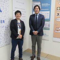 今回話を伺ったコイルの定塚氏(右)とフラーの櫻井氏(左)。フラーの専有オフィスにて