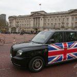ロンドン名物「黒タク」が電気化 初のEVモデル、運行開始