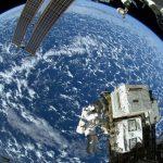 ロシア企業、観光客に宇宙遊泳を提供へ 代金100億円超