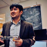 銃から死を遠ざける 米国で「スマートガン」の可能性を探る日本人研究者