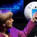ISS宇宙飛行士を支援するAIロボット「空飛ぶ脳」打ち上げ