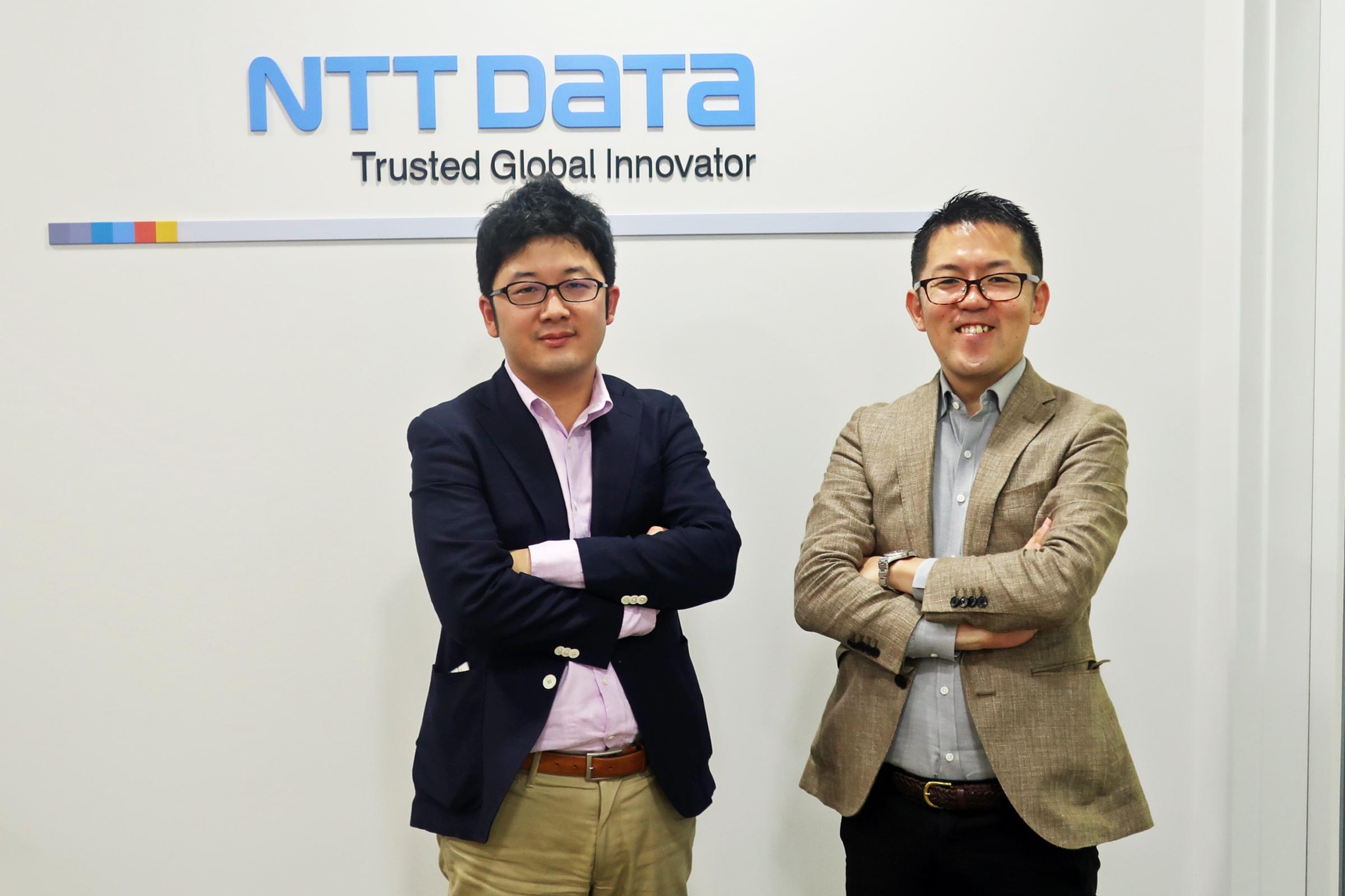 NTTデータ デジタルコンサルティング統括部 川口有彦氏(左)と大野有生氏(右