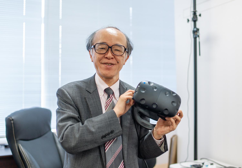東京大学「VR教育研究センター」センター長の廣瀬教授