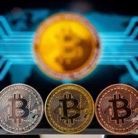 仮想通貨ビットコイン誕生から10年、波乱の道のり
