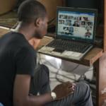 世界のネット利用者は39億人、史上初めて総人口の半数超えへ
