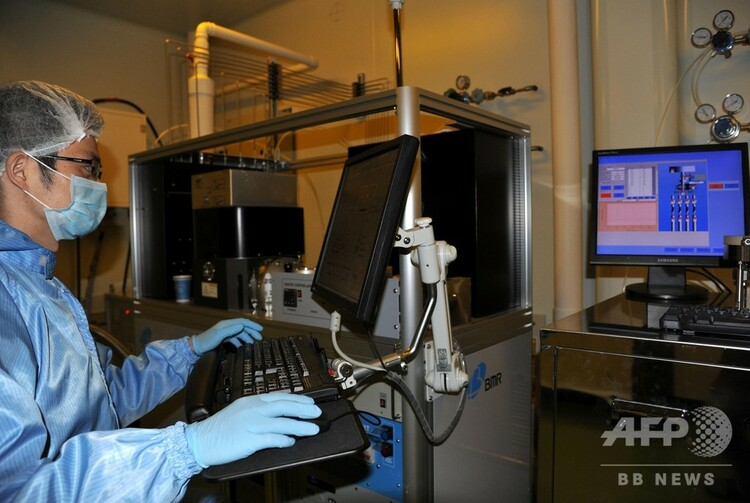 中国科学技術大学・量子研究チームの実験室(2013年10月23日撮影、資料写真)。(c)CNS/孫自法