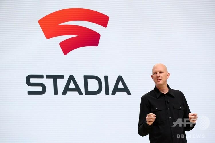 米サンフランシスコで開かれたゲーム開発者会議「ゲーム・デベロッパーズ・カンファレンス(GDC)」で、グーグルのゲームストリーミングサービス「Stadia」を発表する同社のフィル・ハリソン副社長兼ゼネラルマネジャー(2019年3月19日撮影)。(c)Justin Sullivan/Getty Images/AFP
