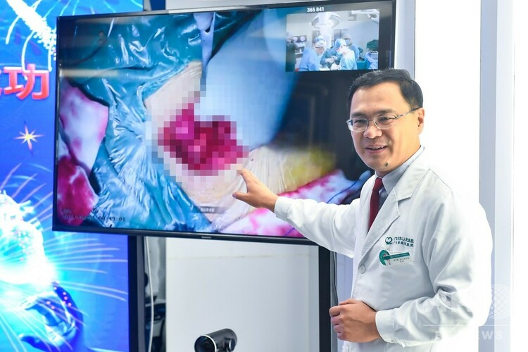 5G+4K技術で遠隔操作手術を行う中国の病院(2019年4月1日撮影、資料写真)。(c)CNS/陳驥旻