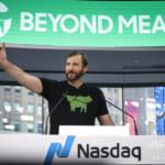 米代替肉メーカー「ビヨンド・ミート」が新規上場、初日株価は3倍近くに高騰
