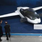 独ベンチャー、「空飛ぶタクシー」の試験飛行に成功 2025年の運行目指す