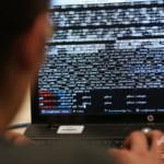 6種類のマルウエアに感染したノートPCは「芸術作品」1.4億円で落札