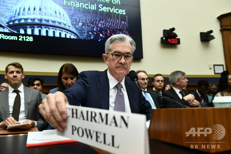 米議会で、金融政策と経済情勢に関する証言に臨むジェローム・パウエル連邦準備制度理事会(FRB)議長(2019年7月10日撮影)。(c)Brendan Smialowski / AFP