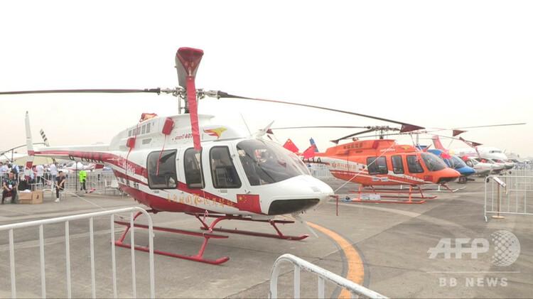 展示された多くのヘリコプター(2019年9月29日撮影)。(c)CNS