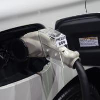 原付バイクから自宅に給電 電源としてのクルマやバイクに注目〜第46回東京モーターショー