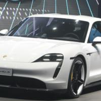 ポルシェ、25年までに生産台数50%超を電気自動車に テスラに対抗