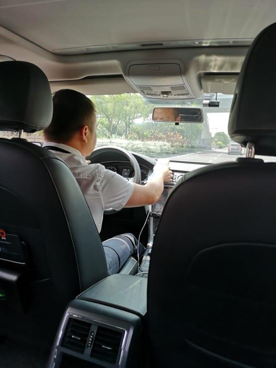マホ時代の副業の代表格は中国でも配車アプリを活用したドライバーの仕事だ。資格に法的規制はあるものの、車とスマホがあればとりあえず始められる手軽さもあって、副収入の増加に大きく貢献している。
