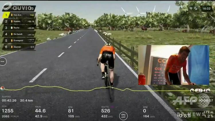 自転車ロードレース、ツール・デ・フランドルのバーチャル版レースを制したCCCチームのフレフ・ヴァンアフェルマート(2020年4月5日撮影)。(c)BELGA / AFP