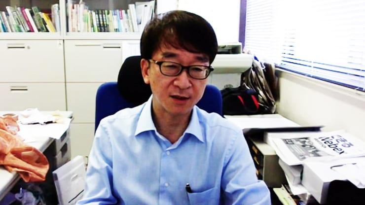銅繊維と光触媒の効果を語る板橋教授