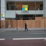 マイクロソフト、直営実店舗を閉鎖 小売り事業はオンラインで