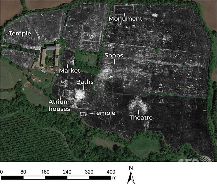 伊ローマ近郊にある古代ローマの都市ファレリ・ノビを地中レーダーで捉えた画像。ケンブリッジ大学提供(2020年6月4日提供、撮影日不明)。(c)AFP PHOTO / L. VERDONCK / UNIVERSITY OF CAMBRIDGE