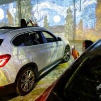 ドライブイン方式で鑑賞するデジタル・ゴッホ展、コロナ下で新しい試み カナダ