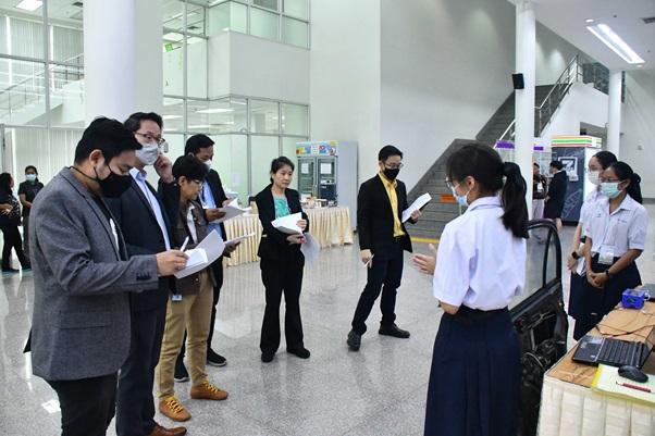 産業界からも多くの審査員が参加した。 (写真提供:NSDTA)