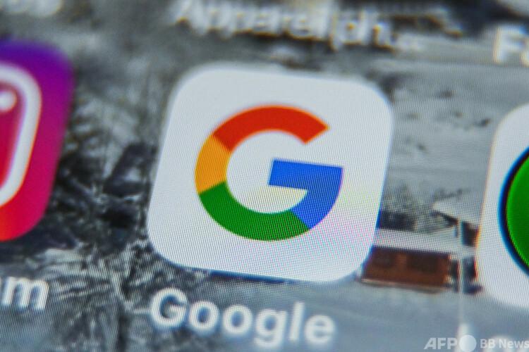 タブレットの画面に表示されたグーグルアプリのロゴ(2019年8月28日撮影、資料写真)。(c)DENIS CHARLET : AFP