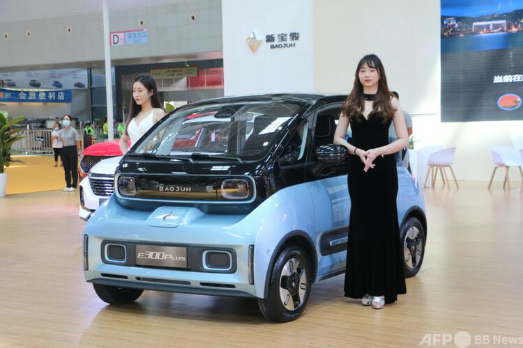上汽通用五菱汽車が生産した電気自動車(2020年9月16日撮影、資料写真)。(c)CNS/林馨