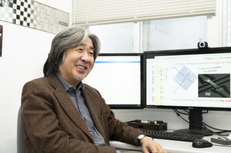 蔡教授は、NEC(日本電気株式会社)に在籍していた1999年に、中村泰信氏(現東京大学・理化学研究所)と超伝導量子ビットを世界で初めて実現した、超伝導量子コンピューター研究の先駆者でもある