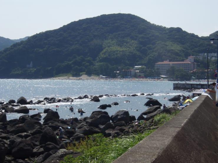 イメージ・夏の海で仕事の合間にひと泳ぎ(撮影地:伊豆今井浜 )