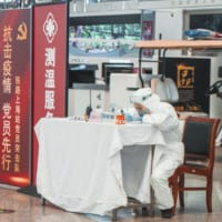 感染者の行動を詳細に把握、大々的に公開する中国のスマホ「健康コード」のおそるべき威力