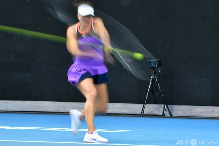 全豪オープンテニス、女子シングルス1回戦。自動ライン判定に使用されるボール追跡カメラ(2021年2月8日撮影)。(c)Paul CROCK : AFP