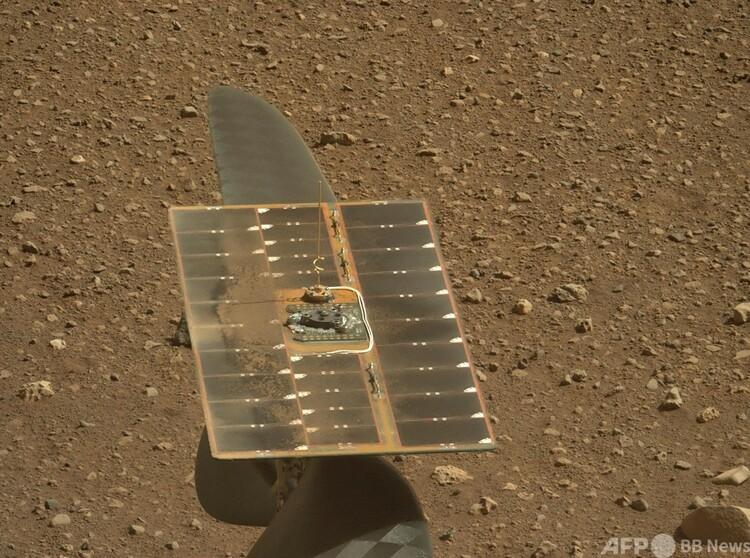 米航空宇宙局(NASA)の火星ヘリ「インジェニュイティ」のソーラーパネル(2021年4月15日撮影)。(c)AFP PHOTO : NASA:JPL-Caltech:MSSS:ASU:HANDOUT