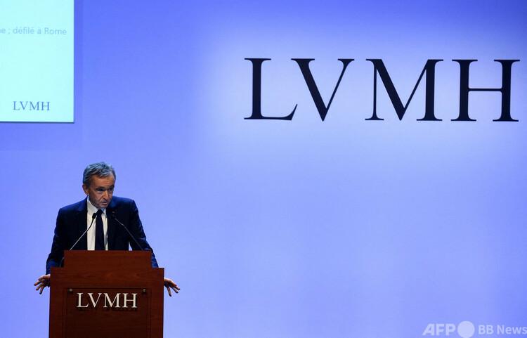 仏LVMHモエヘネシー・ルイヴィトン会長兼最高経営責任者(CEO)のベルナール・アルノー氏。仏パリで(2020年1月28日撮影)。(c)ERIC PIERMONT : AFP