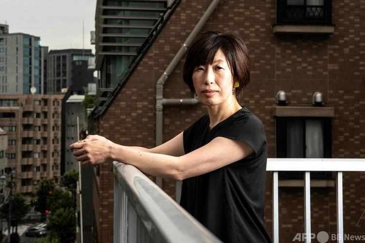 環境NGO「気候ネットワーク」の国際ディレクター、平田仁子氏。東京都内で(2021年6月7日撮影)。(c)Charly TRIBALLEAU : AFP