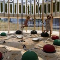 遊び場に新鮮な空気を 藻類で大気浄化 ワルシャワ