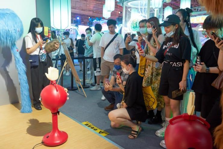 深センのメイカーネット社が日本の「ビックラッピー」、明和電機のオタマトーンなどを展示