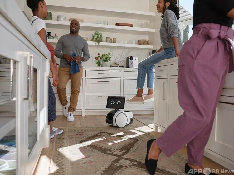 米小売り・IT大手アマゾン・ドットコムの小型ロボット「アストロ」。同社提供(2021年9月29日撮影)。(c)AFP PHOTO : Amazon.com, Inc.