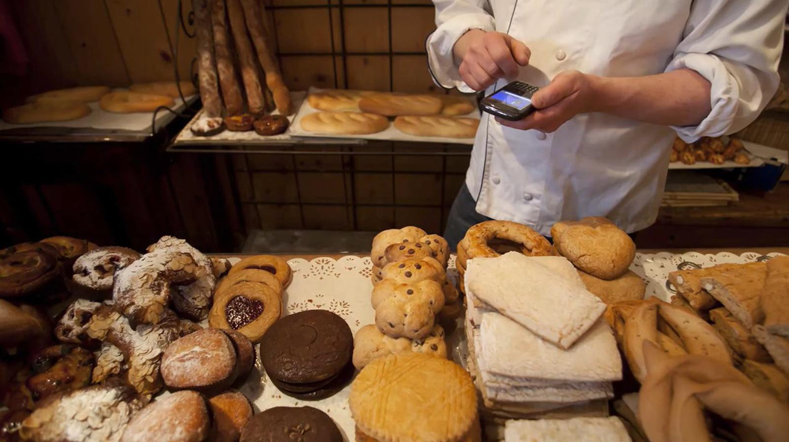 パン屋での需要予測イメージ(提供:ROX)