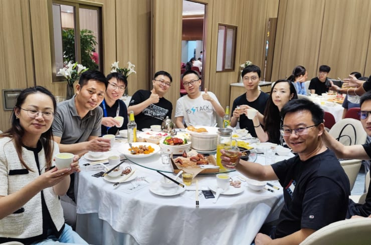 上海DFRobotの深セン訪問に際して、M5Stack、Elephant Roboticsなどの当社(株式会社スイッチサイエンス)取引先を集めた会食。30名以上のハードウェアスタートアップが集合