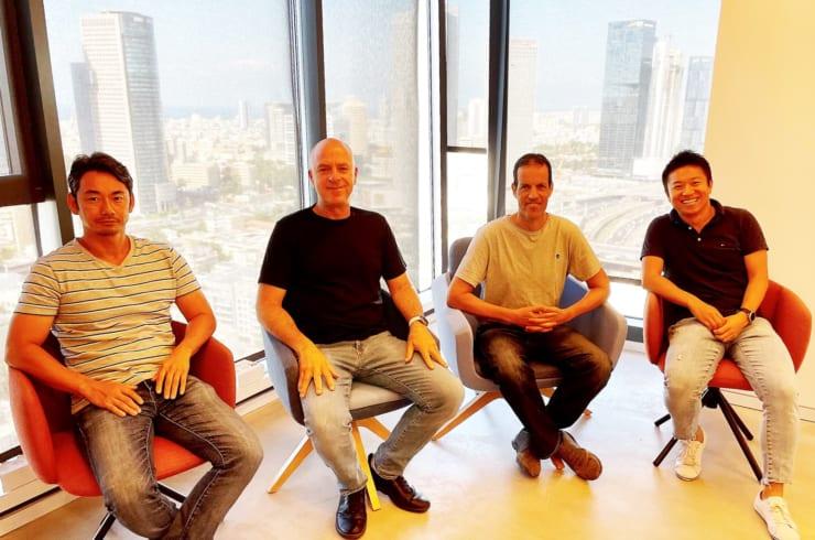 テルアビブ市内のIN Ventureオフィスにて。左から、内村直矢(パートナー)Eitan Naor(マネージングパートナー)Eyal Rosner(マネージングパートナー)高田寛之(プリンシパル)の各氏